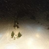 明日へ期待の雪
